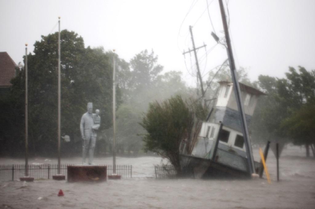 Korban Tewas Badai Florence Jadi Lima Orang