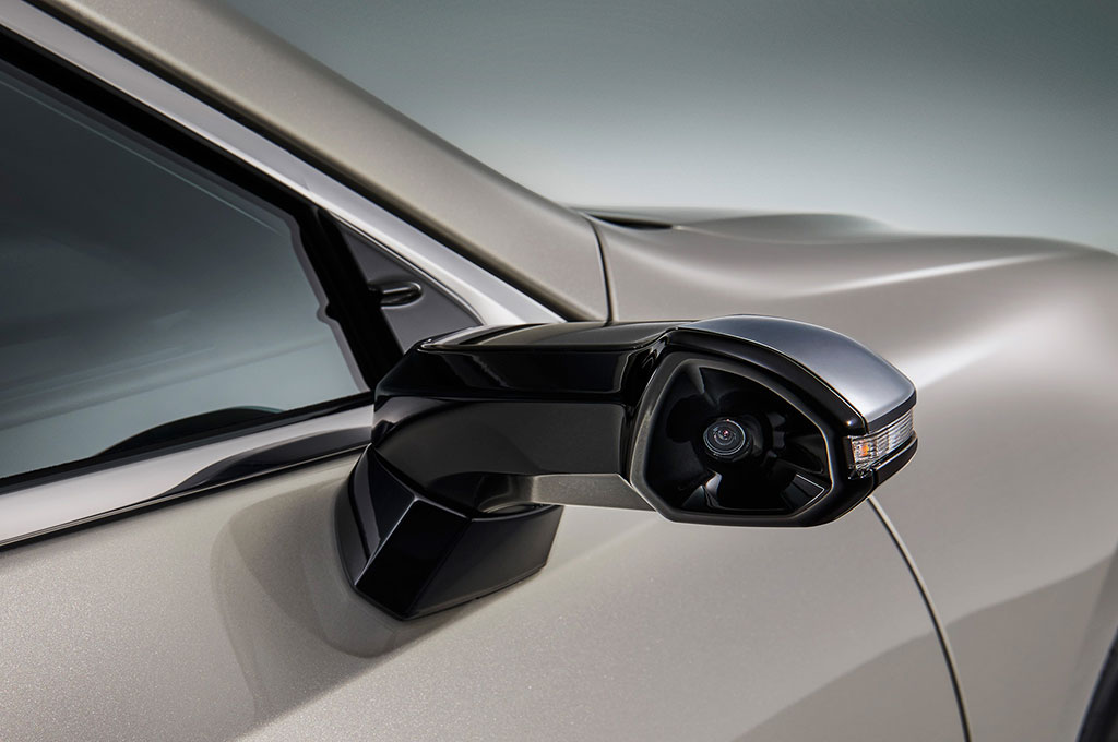 Lexus Tak Lagi Pakai Kaca Spion Samping