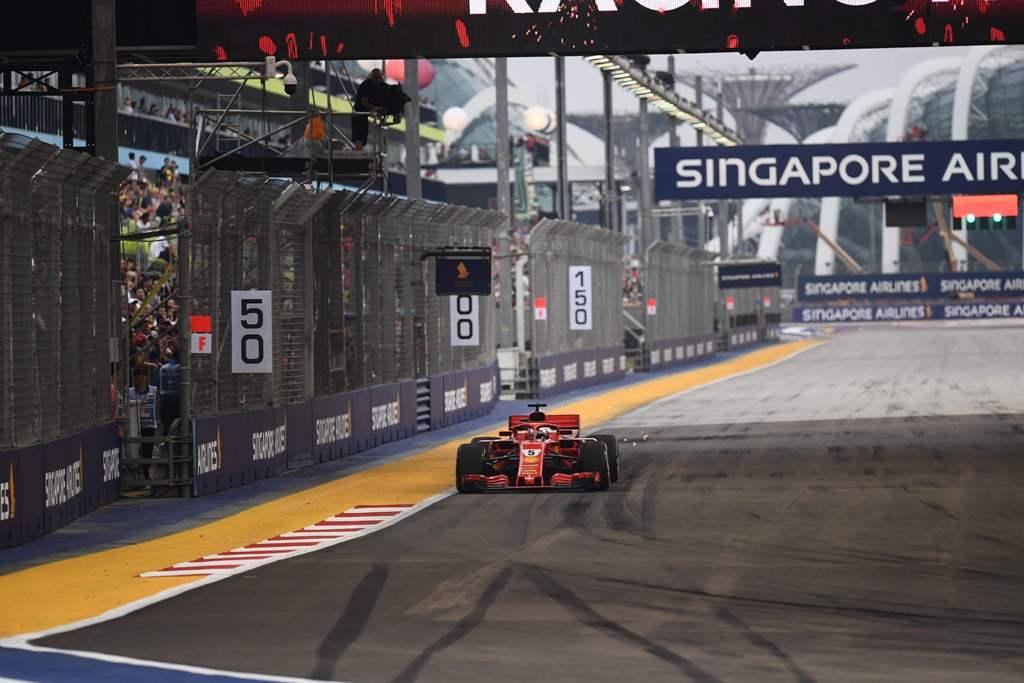 Ferrari Kuasai Sesi Latihan Bebas Ketiga F1 GP Singapura