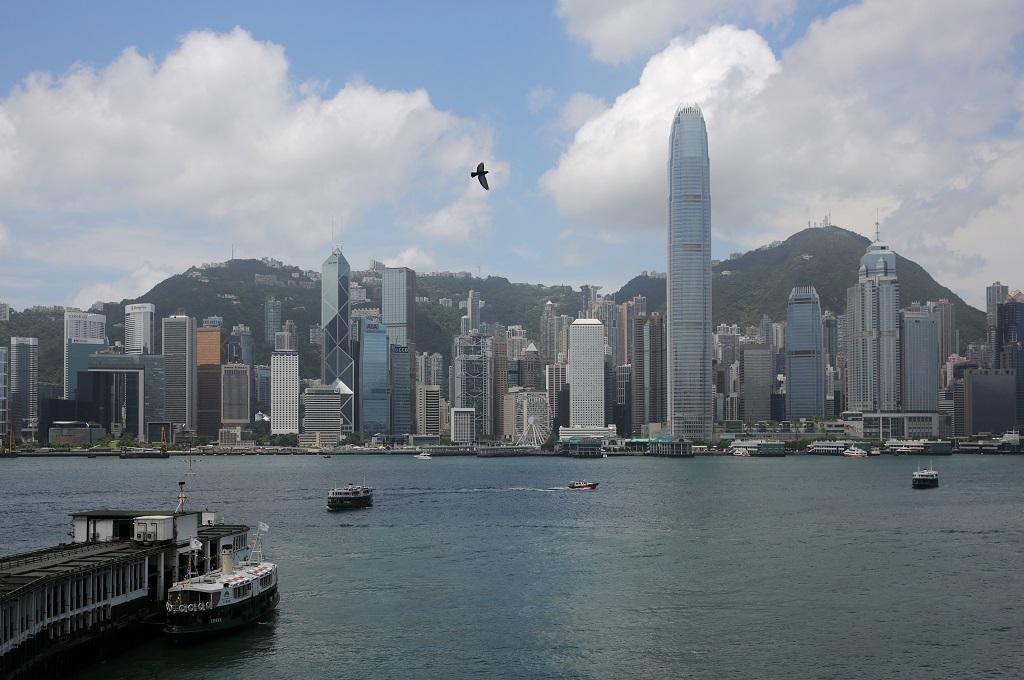 Hong Kong dan Tiongkok Bersiap Hadapi Topan Mangkhut
