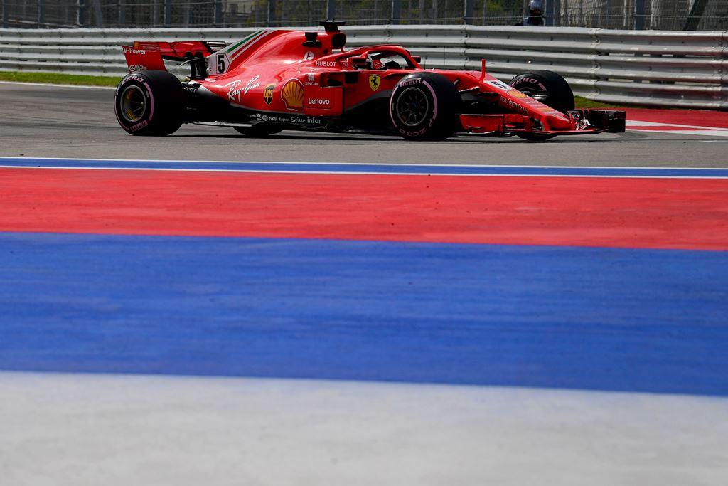 Vettel Tercepat pada Sesi Latihan Bebas Pertama