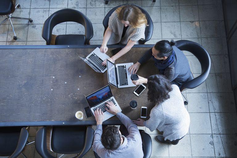 Cara Meningkatkan Hubungan dengan Rekan Kerja