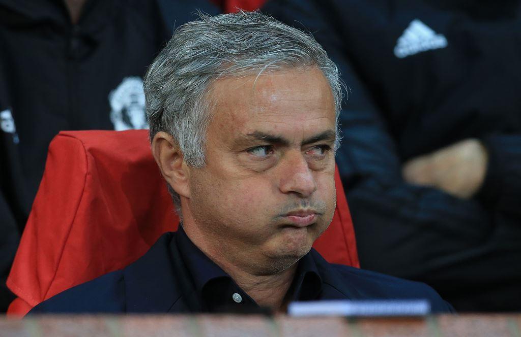 United Terpuruk, Mourinho Enggan Disalahkan