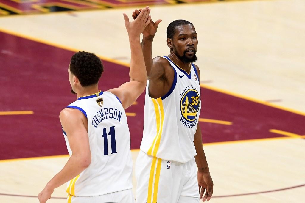 Thompson dan Durant Gemilang, Warriors Cicipi Kemenangan Perdana