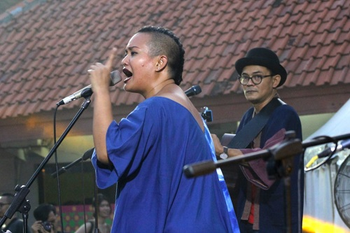 Bonita & the Hus Band Kenalkan Festival Musik Rumah