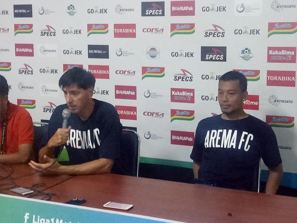 Kapten Arema Sayangkan Aksi Suporter yang Turun ke Lapangan