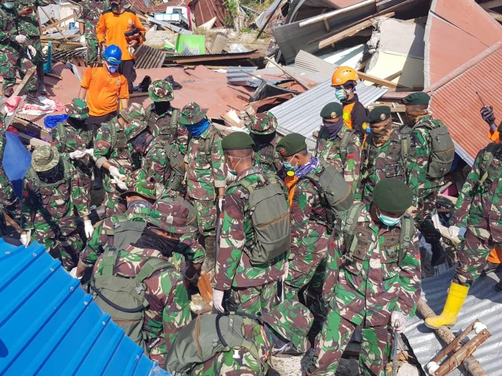TNI Temukan 188 Jenazah di Reruntuhan Perumahan Balaroa Palu