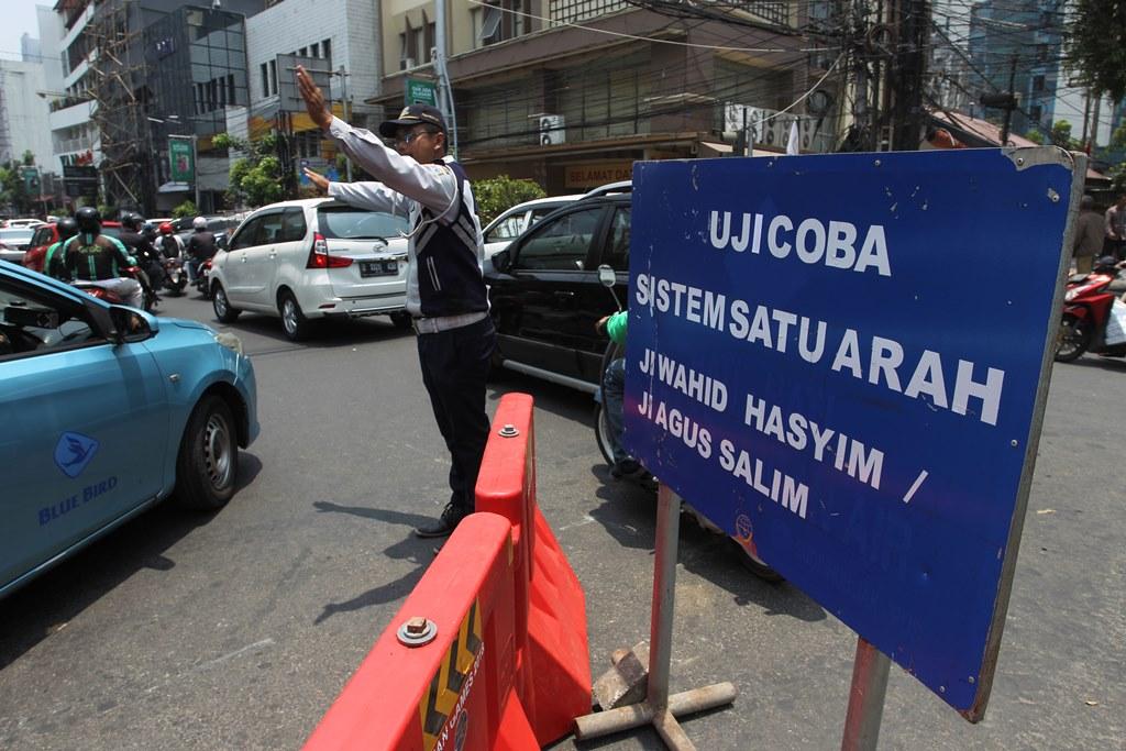 Warga Mengeluhkan Sistem Satu Arah di Jalan KH Wahid Hasyim