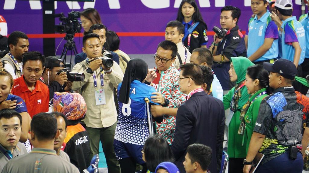 Menpora Redam Tangis Kegagalan Tim Bola Voli Duduk Putri Indonesia