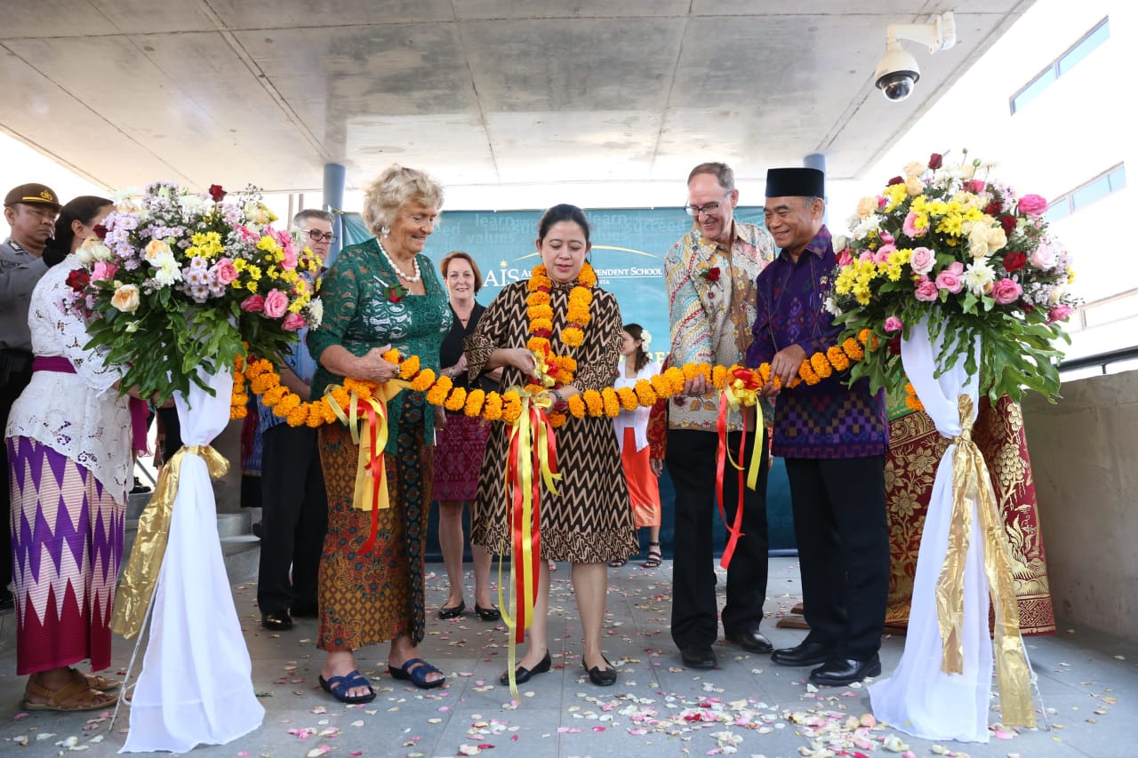 Menko PMK Resmikan Kampus AIS Bali