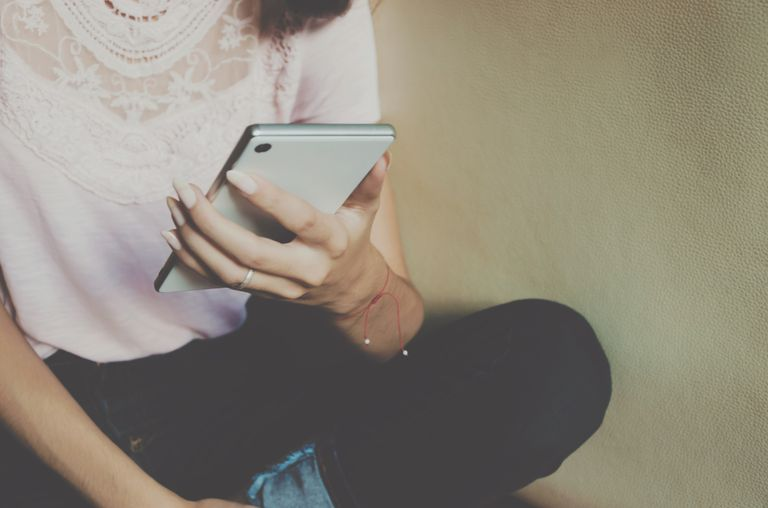 3 Tanda Anda Menggunakan Media Sosial dengan Tidak Sehat