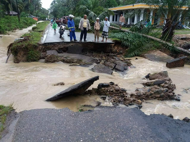 400 KK Terisolasi akibat Banjir Bandang di Natal