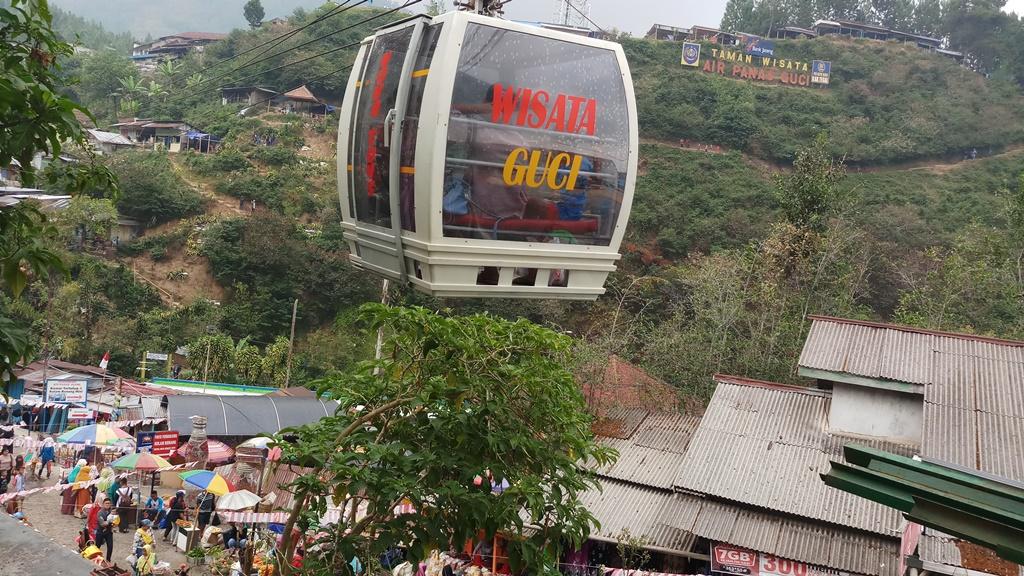 Kereta Gantung Obyek Wisata Guci Belum Beroperasi