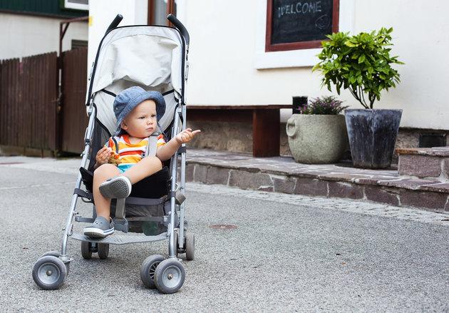Empat Tanda Baby Stroller Bayi Harus Segera Dicuci