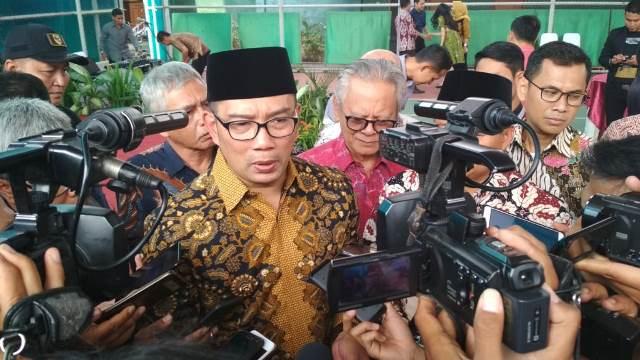 Ridwan Kamil Minta Masyarakat Menahan Diri