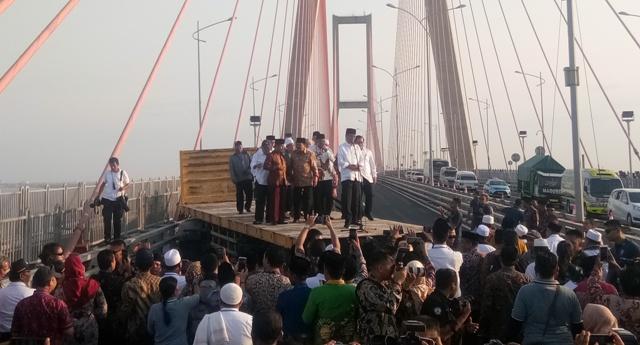 Jembatan Suramadu Jadi Non Tol