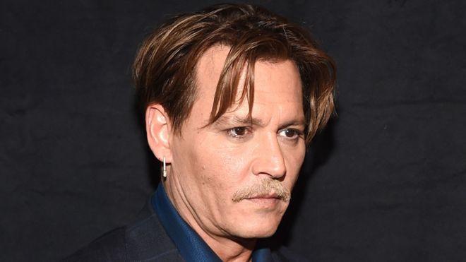 Johnny Depp Perankan Eks Fotografer Perang di Film Minamata