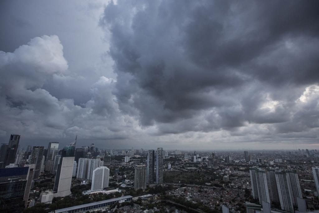 Ibu Kota Diprediksi Hujan Mulai Siang Hari