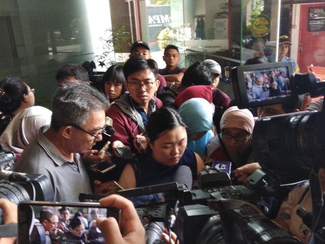 Keluarga Penumpang Lion Air JT610 Mendatangi Basarnas