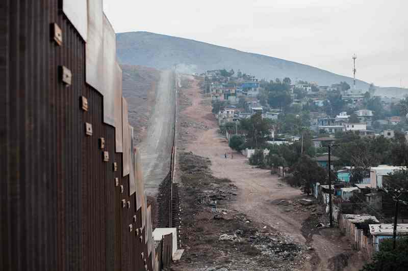 Gelombang Kelompok Imigran Baru Bergerak Menuju AS