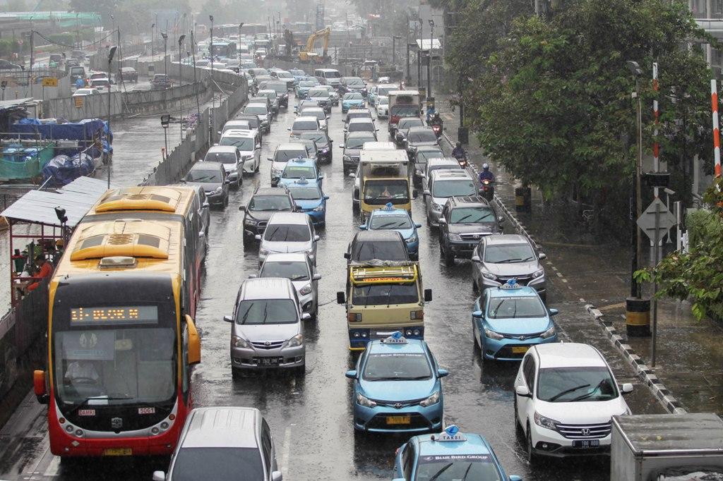 Hujan Bakal Guyur Jakarta Sejak Siang Hari