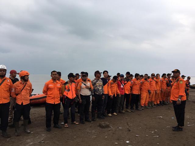 Hujan Tak Ganggu Pencarian Korban