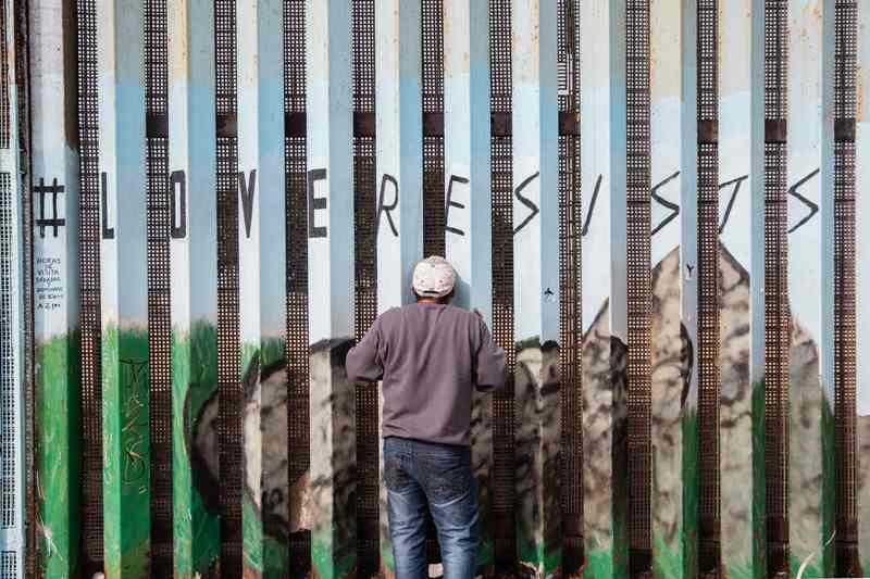 Cegah Imigran, Trump Kirim 5.200 Tentara ke Perbatasan