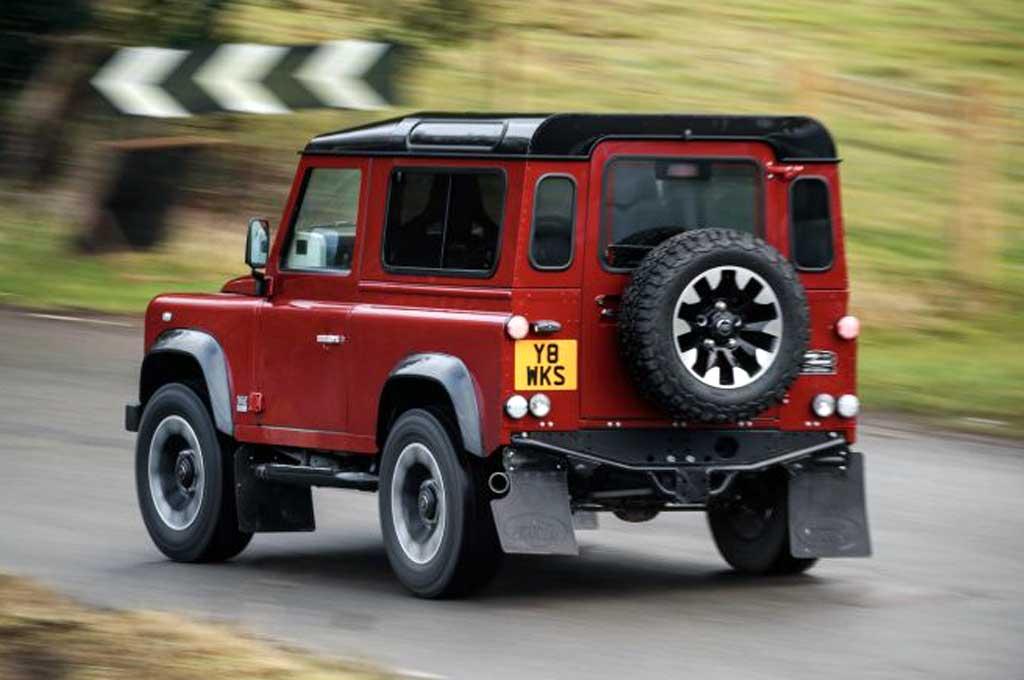 Land Rover Defender Sport Baru Mainan Kaum Borjuis