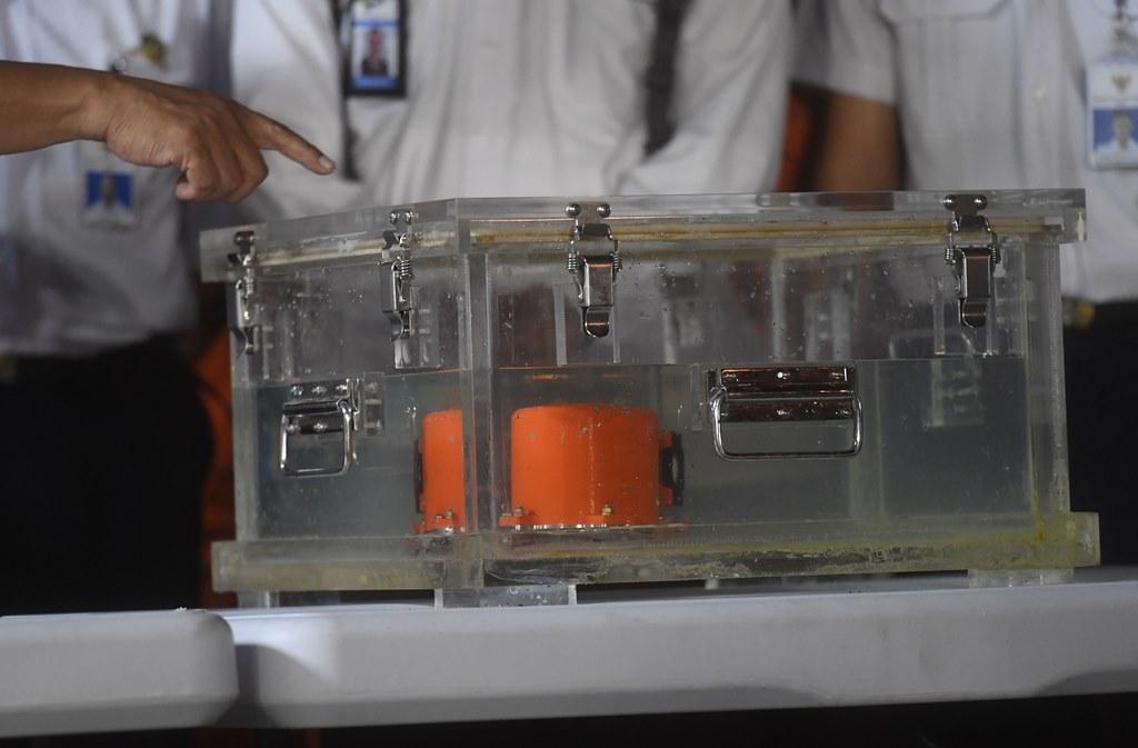 Beda CVR dan FDR dalam Kotak Hitam Pesawat