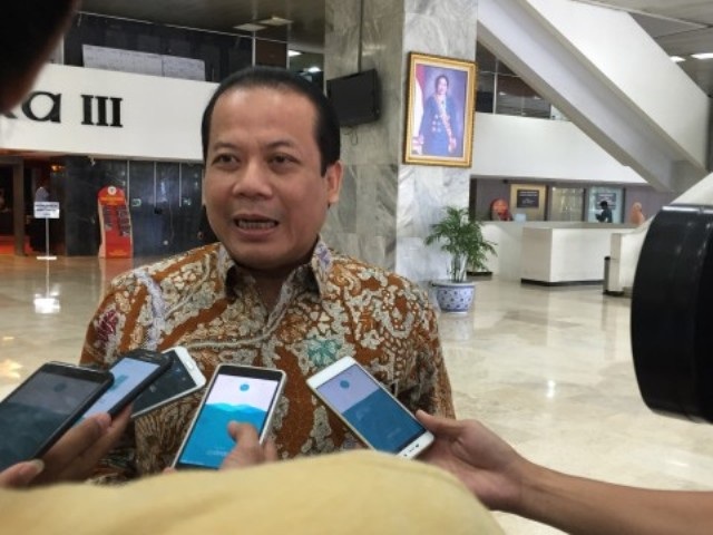 PAN to Prepare Taufik Kurniawan's Replacement