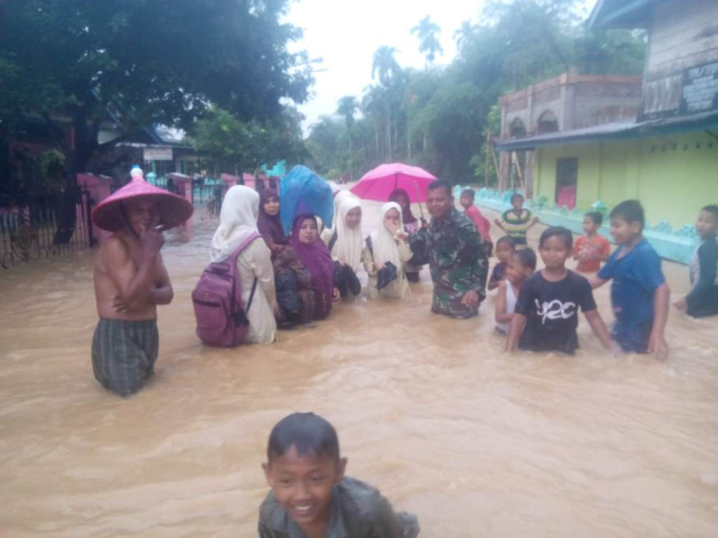 Korem Wirabraja Antisipasi Dampak Banjir Padang