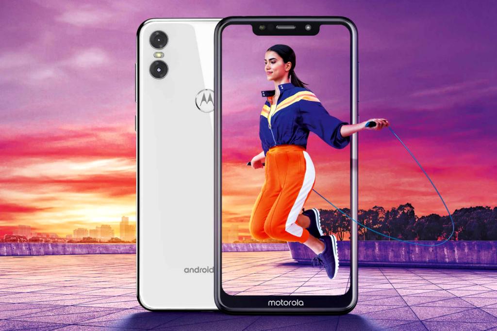 Motorola One Ikut Pasang Poni Layar