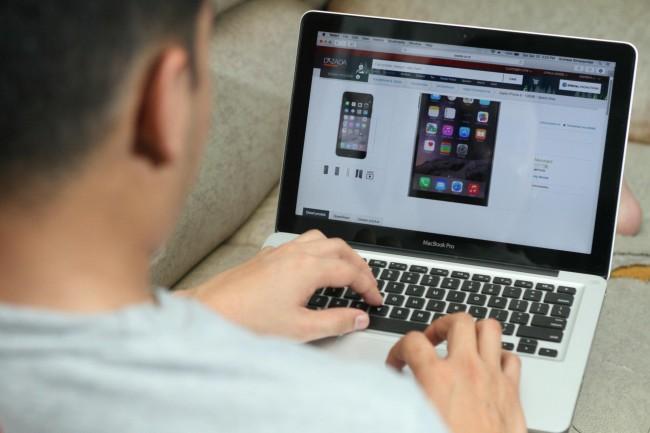 Jokowi Siap Teken Rancangan Aturan e-Commerce