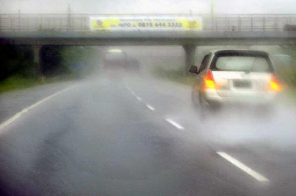 Tolak Jamur dan Karat di Mobil saat Musim Hujan