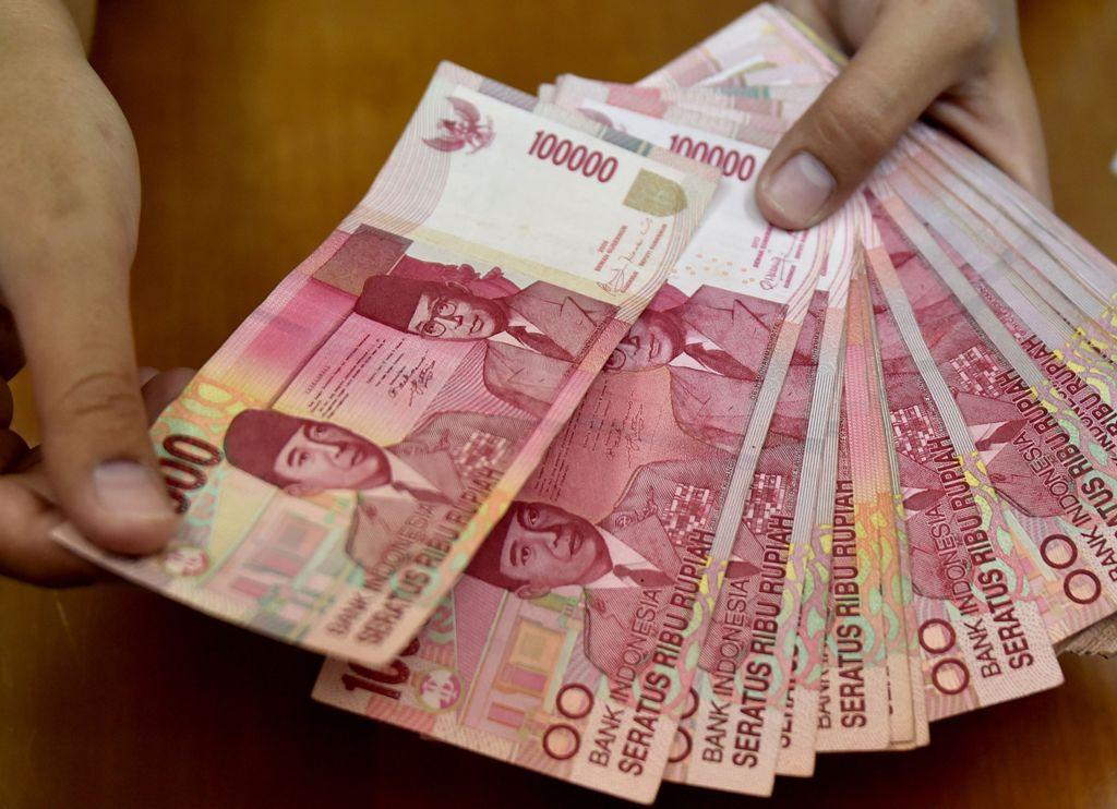 USD Hempaskan Rupiah Pagi ke Rp14.645