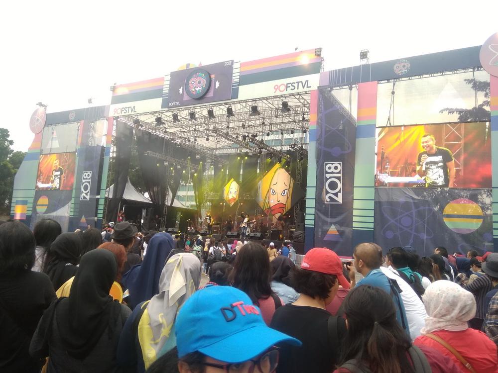 Anang dan Kidnap Katrina Bawakan Lagu Tony Koeswoyo di 90's Festival
