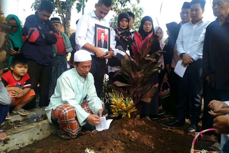 Firmansyah Akbar Korban Lion Air Asal Sukabumi Dimakamkan
