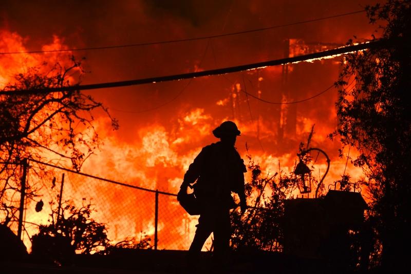 Korban Tewas Kebakaran California Bertambah, 130 Orang Hilang