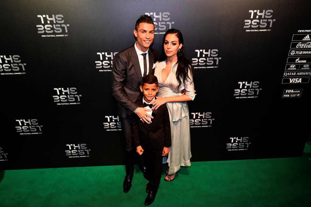Cristiano Ronaldo akan Segera Nikahi Gio