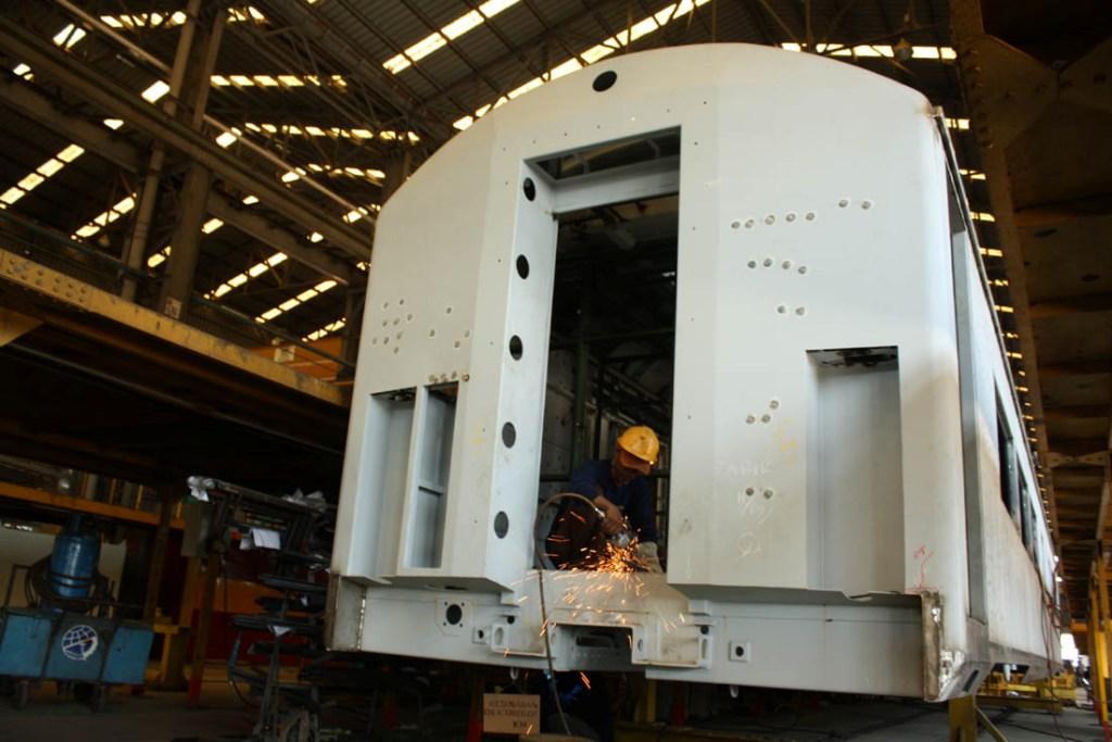 PT INKA Tawarkan Kontrak Perawatan Kereta ke Bangladesh