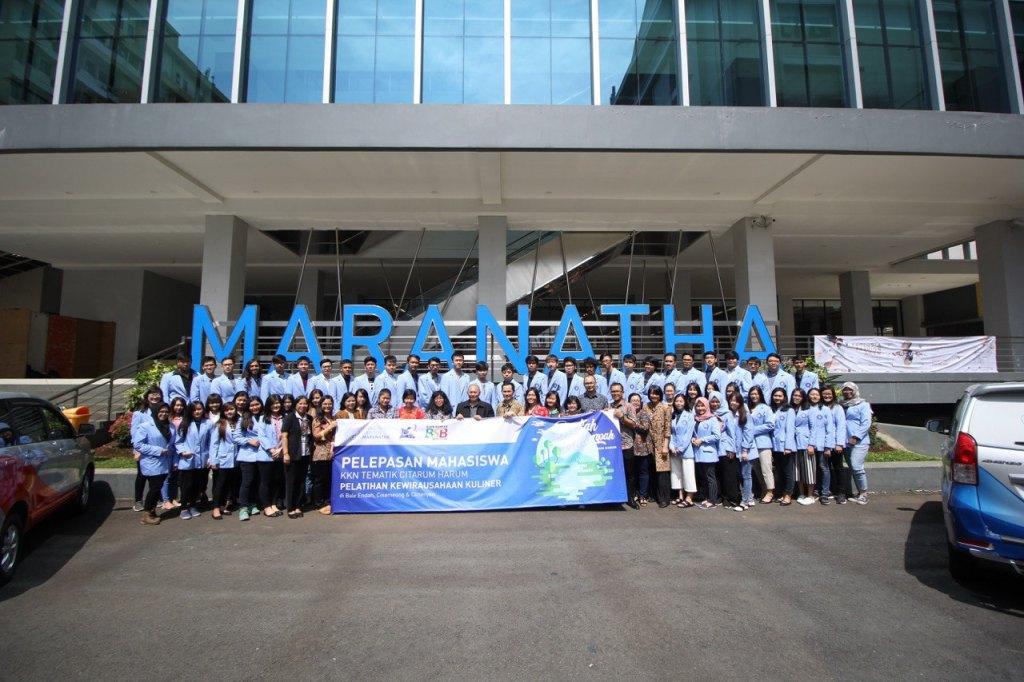 Maranatha Melepas Tim KKN Tematik Citarum Harum