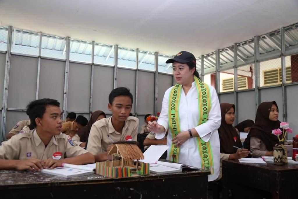 Menko PMK Senang Siswa di Lombok Kini Berani Hadapi Gempa