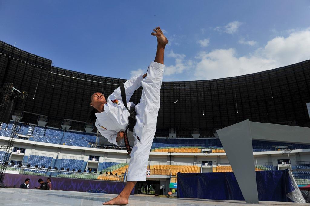 Tim Karate Pelajar Indonesia Sabet 10 Emas di Belgia