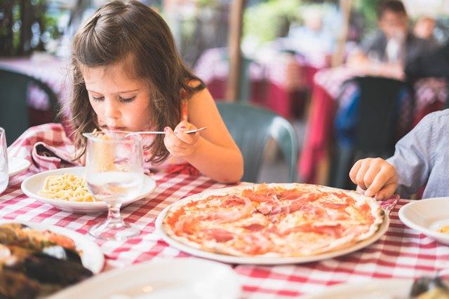 Trik agar Si Kecil Tak Susah Makan
