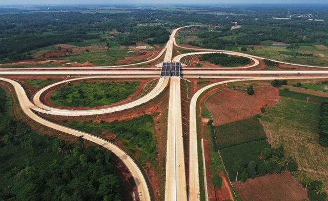 Bakauheni-Palembang Toll Road Could Stimulate Economy: Jokowi
