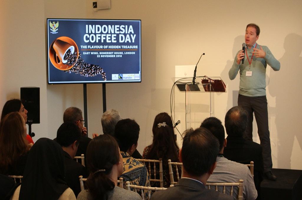 Pencinta Kopi Padati Pameran Tunggal Indonesia di London
