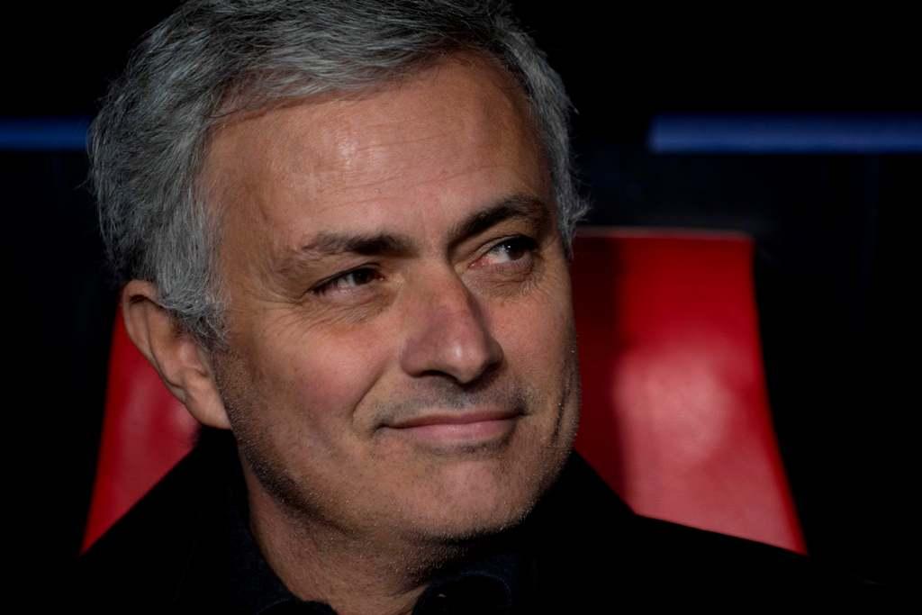 Mourinho Sebut Sanchez Betah di MU