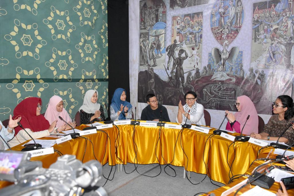Warga Surabaya Jajal Simulasi Sidang PBB di DiploFest