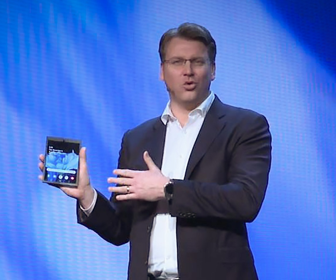 Harga Ponsel Lipat Samsung Tembus Rp37 Juta?