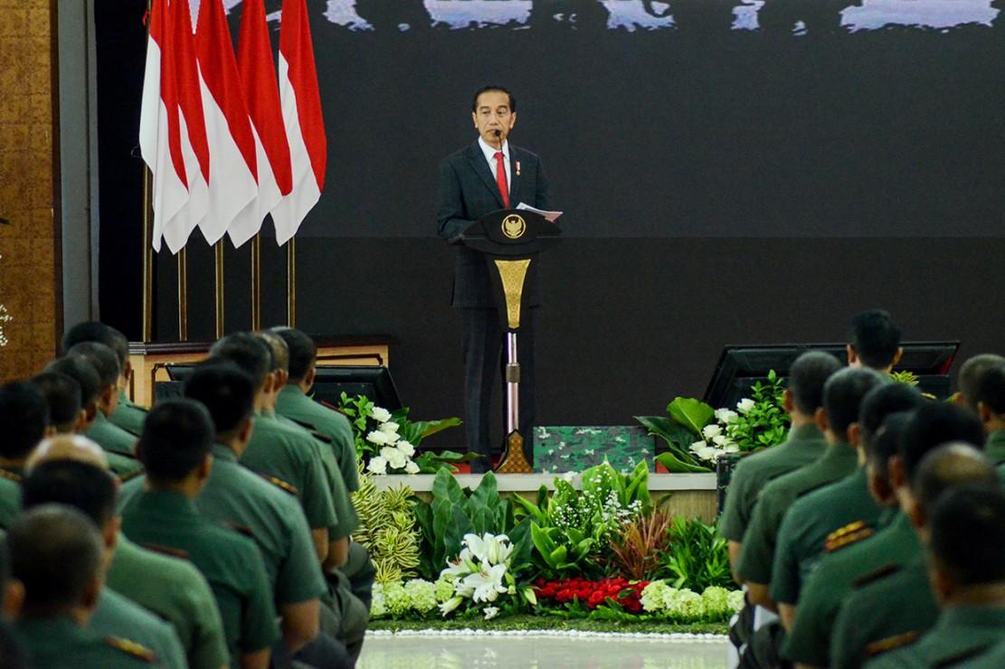 Jokowi Tegaskan Danrem-Dandim Harus Netral